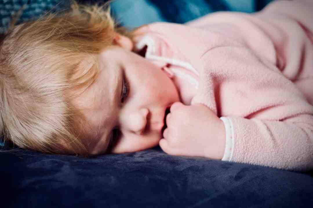 Paralysie du sommeil : Symptômes, Causes, Traitement